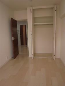 神楽坂ハウス 約5.5帖の洋室