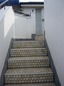 テラスハウスヴィップ長者丸 階段