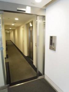 サンウッド白金三光坂 居住スペース入り口のオートロック