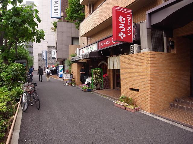 ダイヤパレス御苑前 B1階店舗