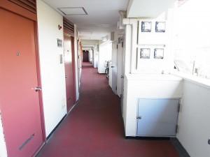 玉川サンケイハウス北棟 廊下