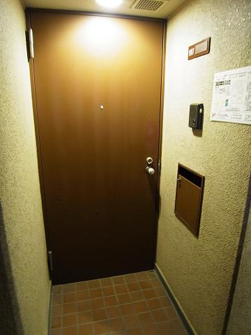 ファミール西新宿 玄関