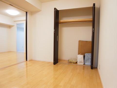 ファミール西新宿 洋室6.1帖