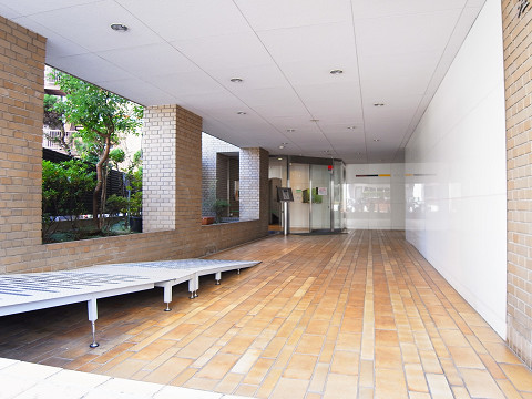 シェモワ新宿 アプローチ