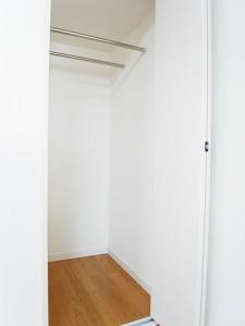 ライオンズマンション三軒茶屋  洋室1収納