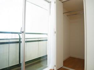 ライオンズマンション三軒茶屋 洋室2収納