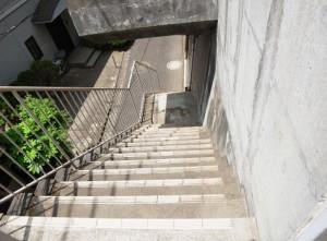 財形第3御殿山マンション 階段