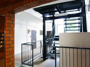 上野毛サンハイツ  階段
