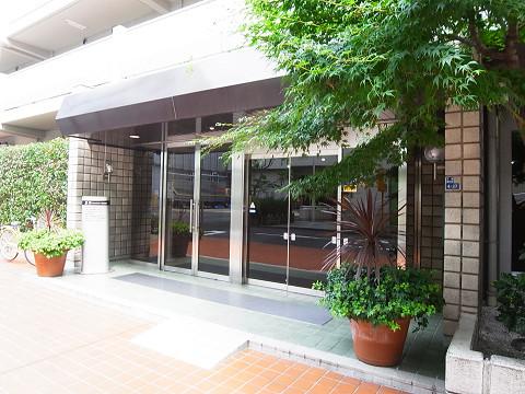 三田ナショナルコート エントランス