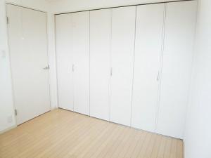 砧公園ヒミコマンション  洋室1 収納