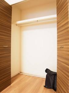 グリーンヒル新宿  洋室1収納