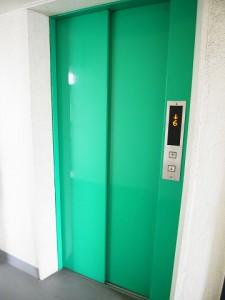 日商岩井第二自由が丘マンション エレベーター