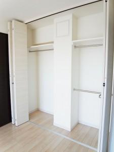 ライオンズマンション初台第2  洋室2クローゼット