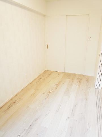 ホワイトレジデンス 洋室3