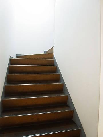 ニュー目黒台ハイツ 共用階段