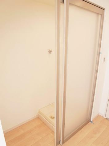 三田第2コーポラス 洗濯機・冷蔵庫置き場