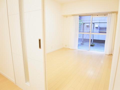 マンション新宿御苑  洋室
