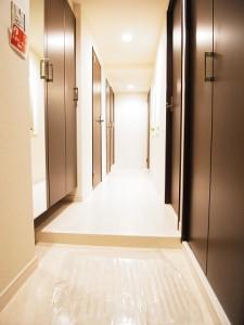 西新宿ハウス  廊下