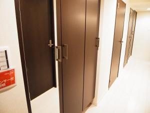 西新宿ハウス  玄関収納
