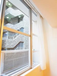 コーポ麹町  LDK窓