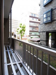 コーポ麹町  窓