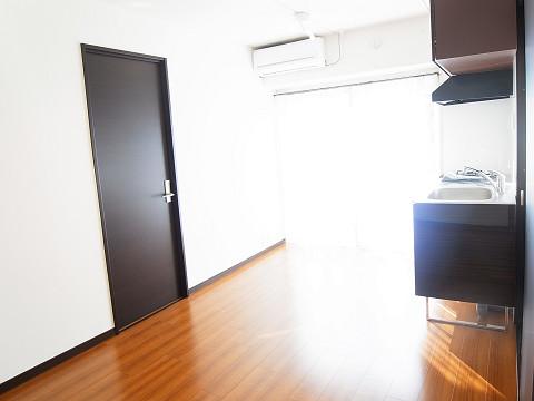 エル・アルカサル三田 リビングダイニングキッチン
