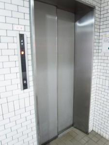 ライオンズプラザ明大前 エレベーター