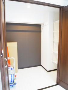 シャンボール第2築地  洋室1収納