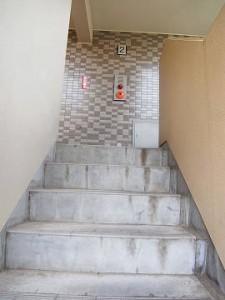 センチュリー三軒茶屋 外階段