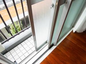 池田山スカイマンション窓
