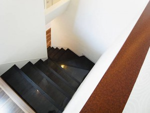 渋谷本町マンション 階段