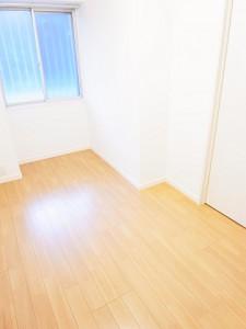 新宿スカイプラザ 洋室1