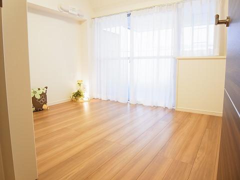 ラインコーポ箱崎 洋室
