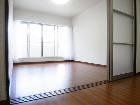 成城アンバサダー 洋室
