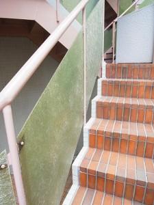 九段フラワーマンション 階段