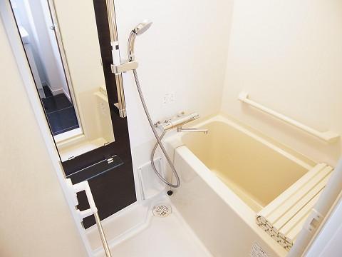 ファミール築地 バスルーム