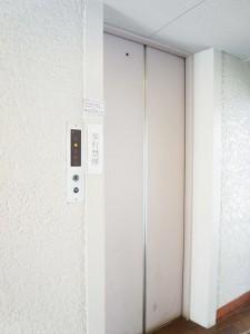 成城コート エレベーター