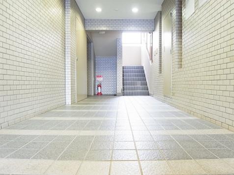 エスコート駒沢 エントランス