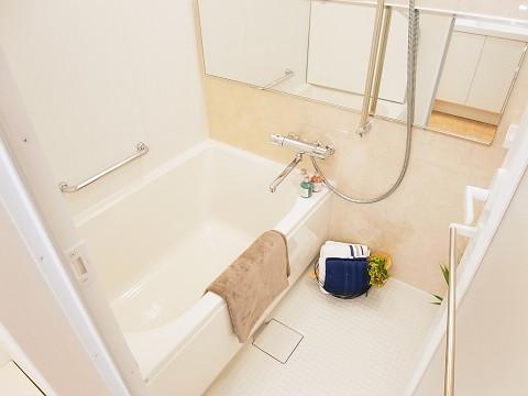 日商岩井大岡山第二マンション 浴室