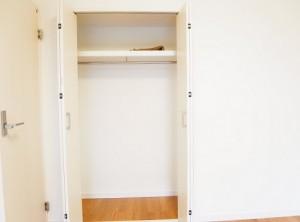 日商岩井大岡山第二マンション 洋室3収納