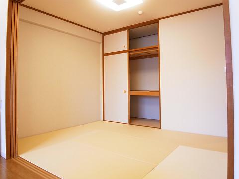 エスコート駒沢 洋室