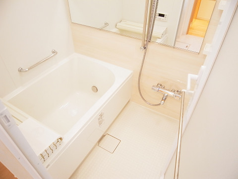 安田小網町マンション    浴室