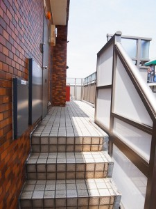 ニューウェルハイツ第2自由が丘 階段