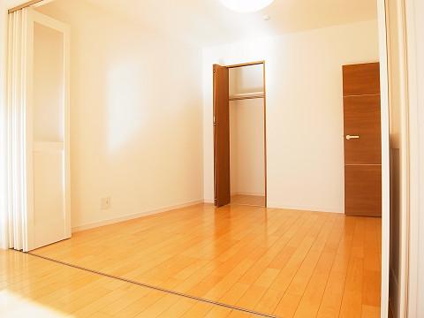 シャンボール北新宿 洋室