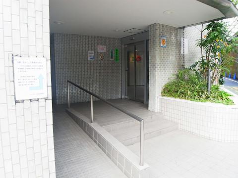 シャンボール北新宿 エントランス