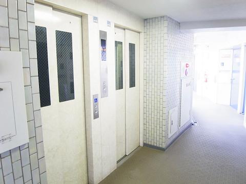 シャンボール北新宿 エレベーター