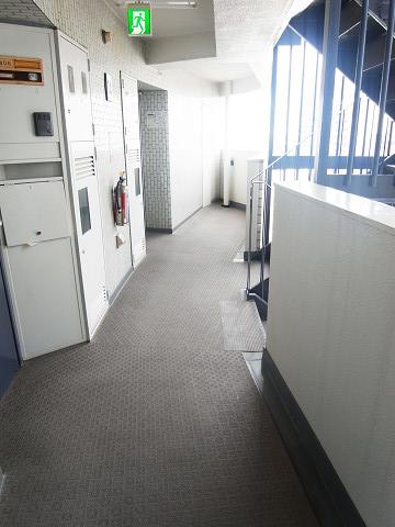 シャンボール北新宿 外廊下