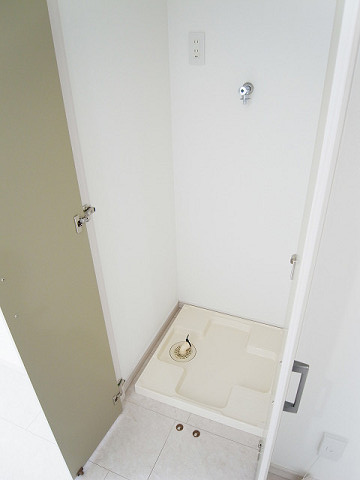 ハイツサト赤坂 洗濯機置場