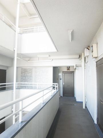 キクエイパレス戸超 外廊下