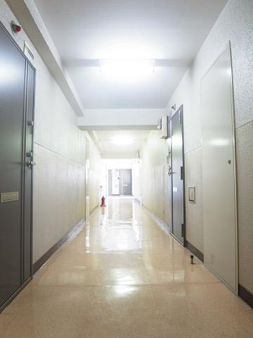 五反田スカイハイツ 内廊下